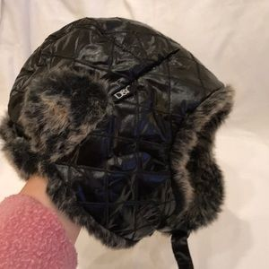 D&Y Aviator/Trapper/Bomber hat. Faux fur
